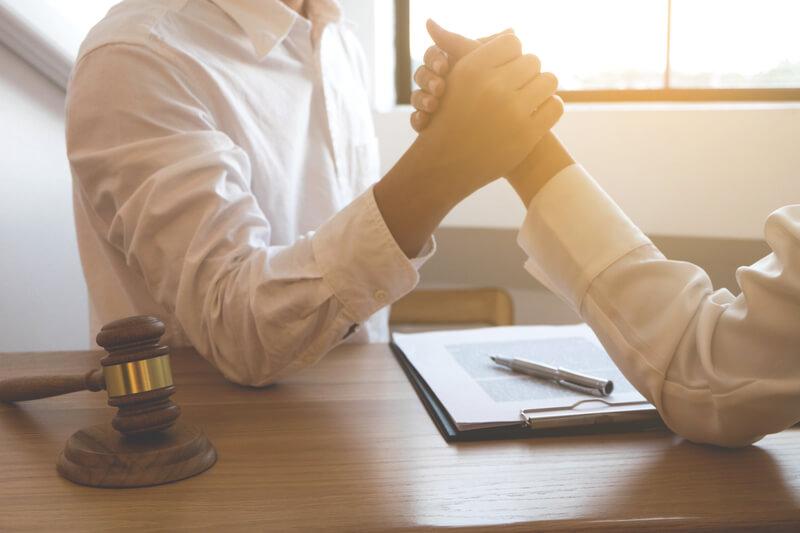 Ik heb een conflict met mijn verzekeraar, heb ik een advocaat nodig?