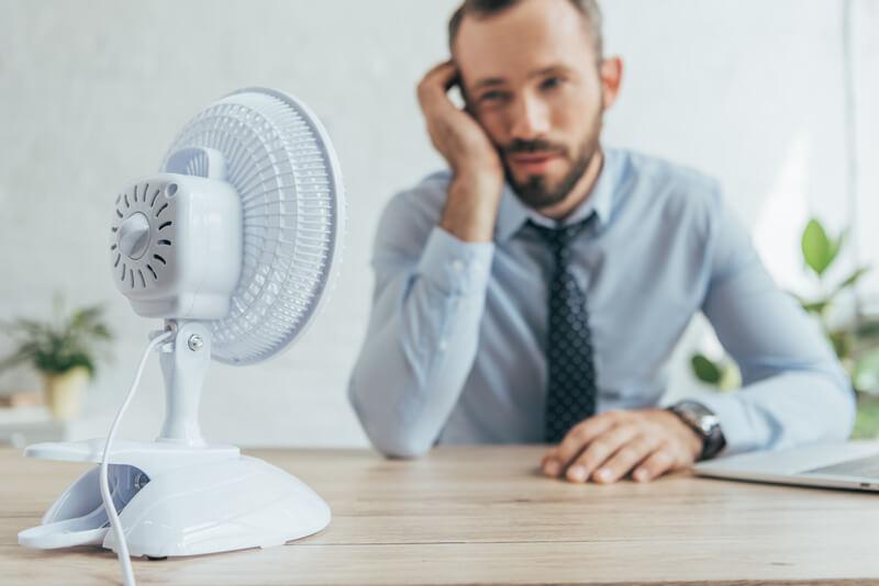 Tips om je kantoor koel te houden tijdens de zomer